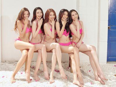 Ngọc Trinh Và Bạn Gái Bùi Tiến Dũng Cùng Đọ Dáng Bikini: Ai Xuất Sắc Hơn